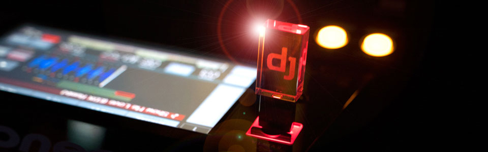 Stylish illuminated crystal element with DJ hologram for extraordinary look!